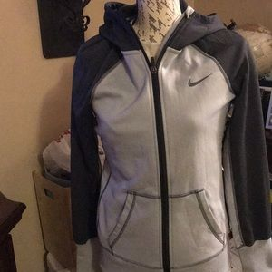 Nike sweatshirt sz small women's
